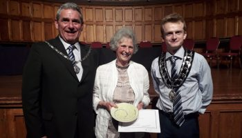 """""""Unsung Heroes"""" award for Frodsham couple"""